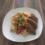 Tortellini-Straußenfleisch-Pfanne
